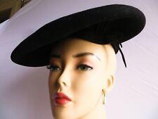 """Vintage 1940s Black Wool Felt Saucer Tilt Beret Hat Rat Tail top design ~ 11.5"""""""