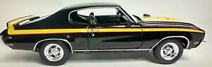 1970 BUICK GSX BLACK W/YELLOW DETAIL 1/24 SCALE DIECAST CAR BY WELLY 22433/4D