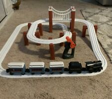 LIONEL The Polar Express Little Lines Train Set w/Track, Controller, Engine, Car