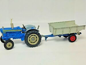 Corgi Toys No74 Ford 5000 Super Major Tractor With Matchbox Whitlock Trailer