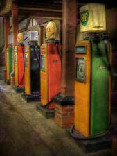 PHOTOGRAPH  VINTAGE GAS PETROL PUMPS GARAGE ART PRINT POSTER MP3455A