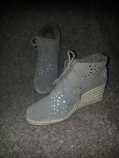 TOMS-Desert Beige Perforated Suede Wedge Ankle Boots/Booties-Sz 8.5-Excellent