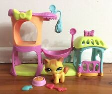Littlest Pet Shop #2034 Yellow Walking Cat Meow Manor Playset Accessories