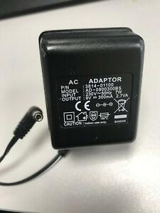 AC ADAPTOR AD-0900300BS 3814-01100 9V 300mA UK PLUG 2.7VA
