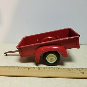 Toy Ertl Tru Scale 2 Wheel Red Utility Trailer with Tailgate 1/16