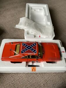 1/24 scale metal DANBURY MINT The General Lee 1969 Dodge Charger Coupe