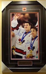 Mario Lemieux Joe Sakic 2002 Olympics Team Canada Dual Signed 30x20 Photo Frame