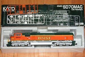 KATO 37-6403 EMD SD70MAC CAB HEADLIGHT BNSF HERITAGE II 9838
