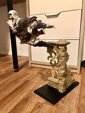 Neues AngebotAssassin's Creed Figur Statue-Ezio Leap of Faith Ultra Selten!Top Preis!