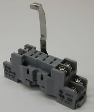 IDEC 8-BLADE RELAY SOCKET SURFACE OR DIN MOUNT 7A 300V SY2S-05