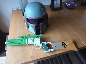 Boba Fett Toy Helmet & Gun