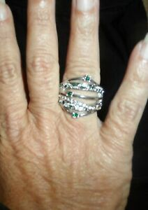 Pretty silver and emerald green color stretchy back adjustable ring NWOT women