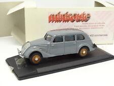 Miniroute Resina 1/43 - Peugeot 402 Comercial Gris