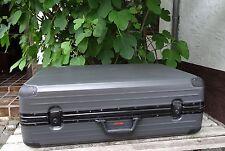 Älterer Reisekoffer grauer Rimowa Roll Reise Koffer Hartschalen Rollkoffer