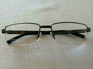 Frau mit brille nackt Nackte Frauen