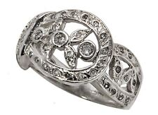 14k White Gold Ring with 0.30 Tcw Diamonds. Size 6.5    (R688)