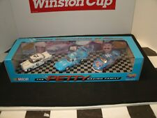 LEE PETTY, RICHARD PETTY, KYLE PETTY 3 GENERATION SET OF CARS 1/64 SCALE