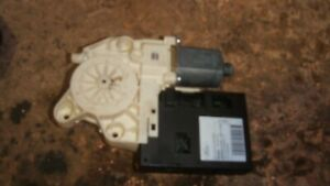 FORD FOCUS ESTATE 05/10 DRIVERS FRONT RIGHT OSF ELECTRIC WINDOW MOTOR 5WK11573K