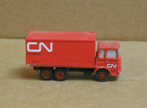 MFG? HO CN Express/Delivery Truck, Custom Paint & Lettering
