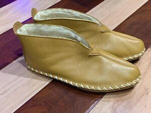 VINTAGE CAMEL LEATHER ANKLE BOOT HOUSE SLIPPER MOCCASIN 10 M FAUX SHEARLING NEW