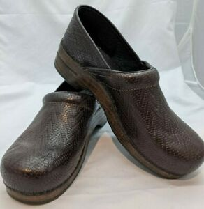 Dansko Size 43 Professional Woven Leather Clogs Womens Brown Smooth