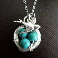 Women's Antique Wealth Bird Natural Turquoise Pendant Necklace