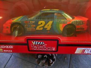 #24 Jeff Gordon Dupont Lumina. 1993 1/24 Racing Champions.