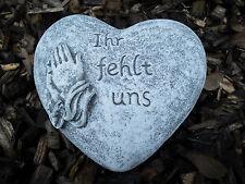 """Steinfigur Grabschmuck Herz """"Ihr fehlt uns""""   Frostfest Wetterfest Grab Deko"""