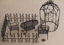 1:12 SCALA sette pezzi da giardino in metallo invecchiato Marrone Set Casa Delle Bambole Accessorio Fiore