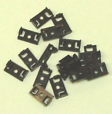 Dapol RET4 (Airfix, Mainline) Coupling Retaining Clips x 20 Pairs 1st Class Post