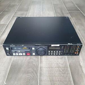 TEAC V-800G-F Hi8 NTSC Video Player Recorder PCM / AFM 8mm Video8 Aviation VCR