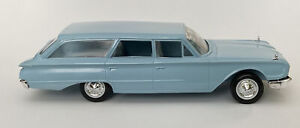 Rare 1960 FORD COUNTRY SEDAN Station Wagon (LGT BLUE) 1:25 HUBLEY Scale Model