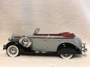 Spec Cast Eastwood 2644000 1936 Dodge 4 Door Convertible Bank