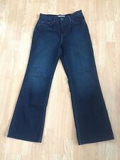 Ladies Levi, Perfectly Slimming/ 512 Jeans,softly Used,size 10, Excellent !