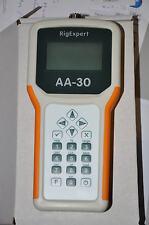Analizador de antena avanzado RigExpert AA-30 (0.1-30MHz) unidad de mano