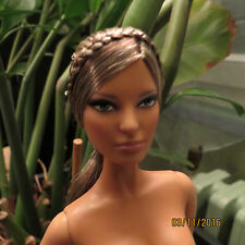 Neuve doll BARBIE muse Hervé Léger Max Azria 2013 Collector Collection+stand+COA