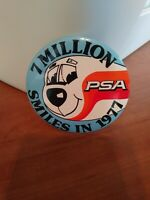 """Pacific Southwest Airlines Pin """"7 Million PSA Smiles In 1977 Good Condition 1977"""