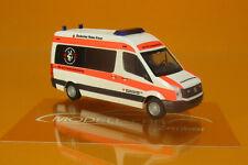 Rietze 53121 VW Crafter DRK Rettungshundestaffel Uelzen 1:87