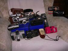 FOTOTECHNIK analog: Konvolut Kleinbild-, Rollfilm- und Schmalfilmkameras, Blitz