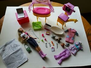 Barbie I Can Be A Zoo Doctor Set Complete + Extra Outfits and Accessories