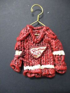 Detroit Red Wings Star Hangers Mini Jersey  Size 2 x 2.5 Inches in Original Box
