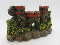 184 - Miniature ruines de châteaux forts - Trois tours - Résine peinte