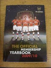 2009/2010 Arsenal: oficial Anuario de membresía (leve arrugada). este artículo se