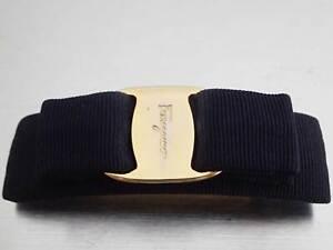 Auth Salvatore Ferragamo Vara Ribbon Barrette Hair Clip Navy/Goldtone - e46240