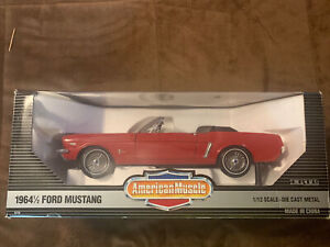 WOW! ERTL AMERICAN MUSCLE 1/12TH SCALE 1964 1/2 FORD MUSTANG CONVERTIBLE M/B