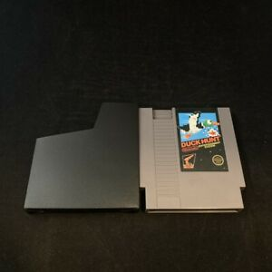 Duck Hunt (5-Screw/Non Rev. A), Game w/ Protective Sleeve, Nintendo NES