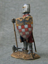 German knight is leaning on axe Souvenir painting tin soldier SCALE 1/32 54 mm