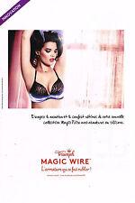 PUBLICITE ADVERTISING 035  2014  TRIUMPH  soutien gorge MAGIC WIRE