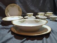Vintage 32 Piece Meito China Laurel Floral Dinnerware Set Hand Painted Japan