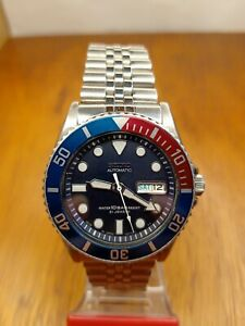 PRE-OWNED SEIKO SCUBA DIVER 7S26-0040 SKX033J 10BAR LARGE AUTOMATIC MEN'S WATCH